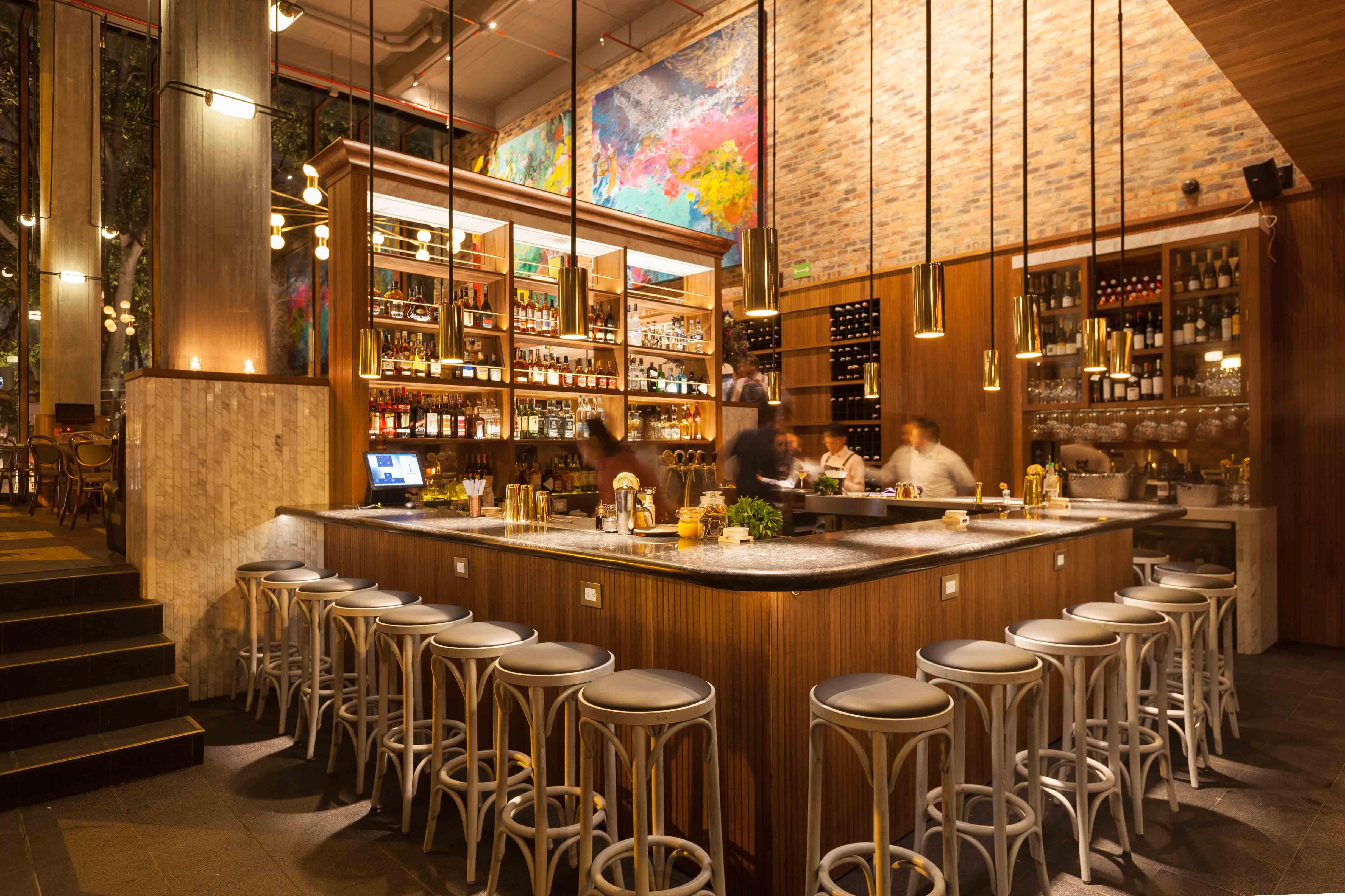 Segundo lure city guide bogota - Como decorar un bar ...