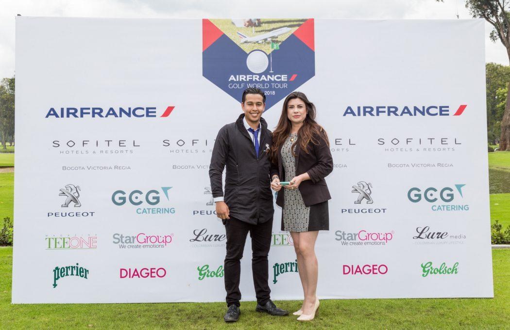 Embajador y asesora de Peugeot en el Air France Golf World Tour Colombia 2018